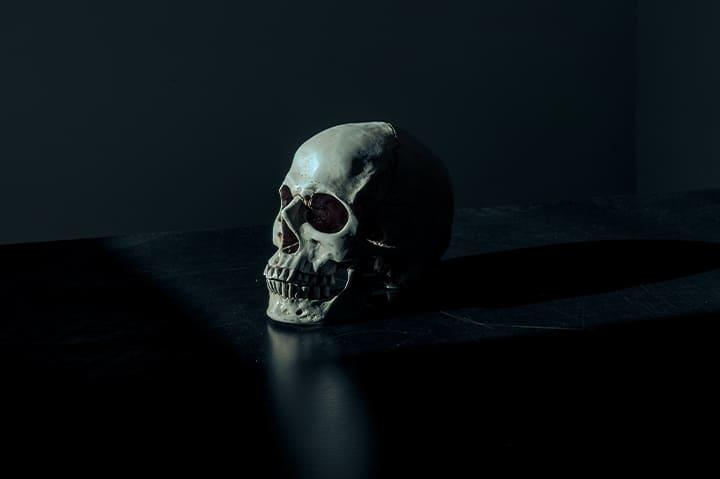 تفسير حلم الموت للحي تفسير حلم الموت للحي والبكاء عليه تفسير حلم موت شخص عزيز وهو حي