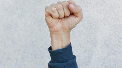 حركات اليد أثناء الكلام