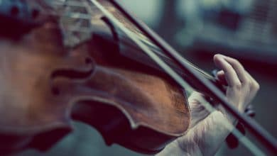 تفسير حلم العزف على الكمان للعزباء