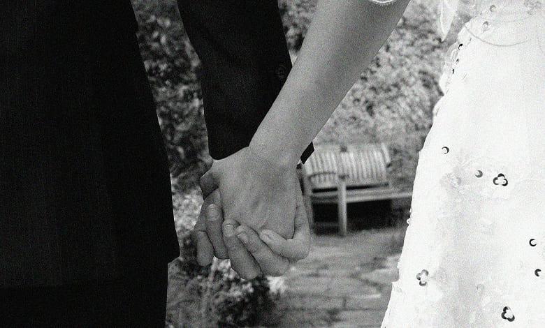 علامات رغبة المرأة في الرجل غير زوجها