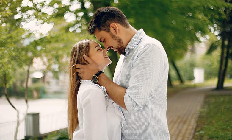 إخفاء الحب عند المرأة